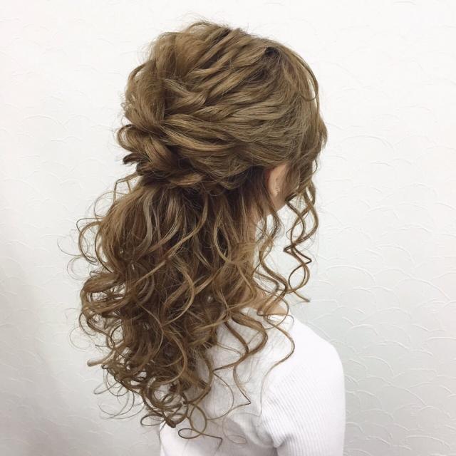 【髪型に迷ったらこれ!】キャバ嬢に人気のハーフアップスタイル